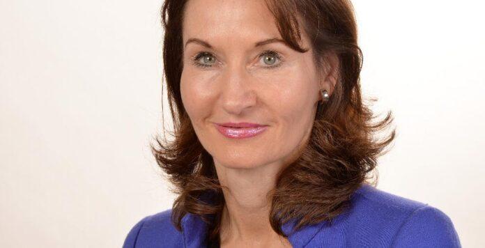 Simone Siebeke ist Headhunterin bei dem Personaldienstleister Spencer Stuart. Sie war jahrelang für den Konsumgüterkonzern Henkel tätig - zunächst im Finanz-, später im HR-Bereich.