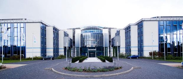 Der Konzern Fresenius mit Sitz in Bad Homburg hat über einen US-Bond 300 Millionen Dollar eingesammelt.