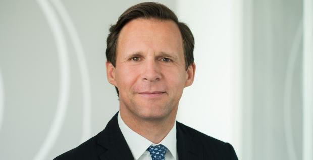 Lars Schnidrig ist der neue CFO des Immobilieninvestors Corestate. Der 44-Jährige war zuletzt fast zehn Jahre lang für den Immobilienkonzern Vonovia aktiv. Dort arbeitete er als Leiter Finanzen und Treasury.