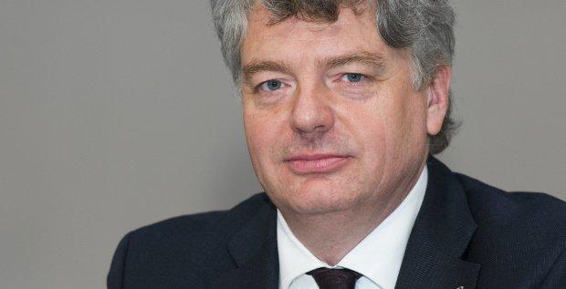 Linde-CFO Georg Denoke hat den Industriegaskonzern gestern plötzlich verlassen. Über die Gründe wird nun spekuliert.