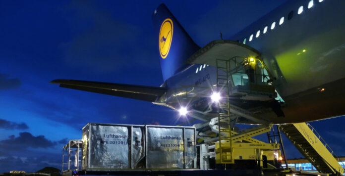 Die Ratingagentur Moody's hat das Rating von Lufthansa auf Ba1 und damit in den Junk-Bereich herabgestuft.