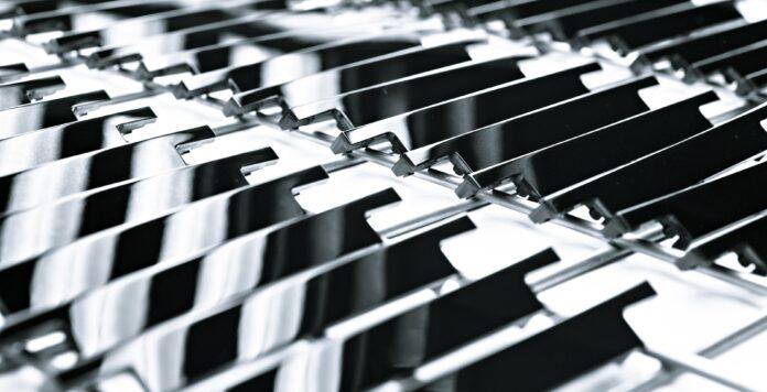 Beschichtungen mit Klavierlackoptik – eines der Spezialgebiete von Nanogate. Der Oberflächenspezialist hat in dieser Woche sein Kerngeschäft veräußert.