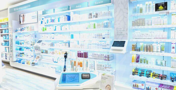 Das Pharmaunternehmen McKesson Europe mit Sitz in Stuttgart betreibt in Großbritannien die Apotheken Lloyds Pharmacy.