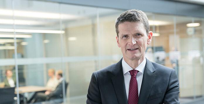 Ist mit 18 Jahren der dienstälteste Dax-CFO: Jörg Schneider (Foto) vom Rückversicherer Munich Re.