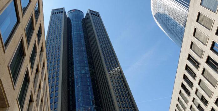 PwC-Tower in Frankfurt: Das WP-Haus verliert ein M&A-Team um Dominique Pfrang an die Investmentbank Stifel.
