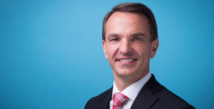 APAS-Chef Ralf Bose steht unter Beschuss: Warum hat er noch kurz vor dem Kollaps mit Wirecard-Aktien gehandelt?