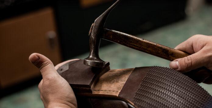 Für Schuhreparaturen war Mister Minit bekannt. Nun stellen die Geschäfte den Betrieb ein.
