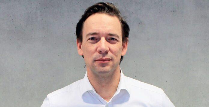 CFO Peter Kimpel zieht es der Nachrichtenagentur Reuters zufolge zurück in die Bankenwelt: Er wechselt von der Startup-Schmiede Rocket Internet zu Barclays, wo er neuer Deutschlandchef wird.