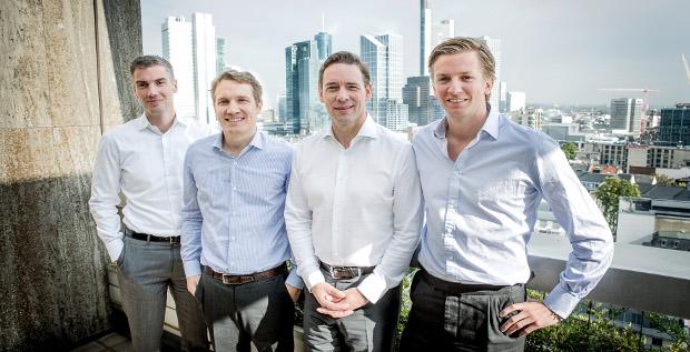 Das Rocket-Management um CEO Oliver Samwer (2. von links) und CFO Peter Kimpel (2. von rechts) besänftigt seine Investoren.