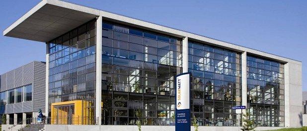 Bei Solarwatt in Dresden haben die Vorbereitungen auf die Sanierung in Eigenregie bereits begonnen.