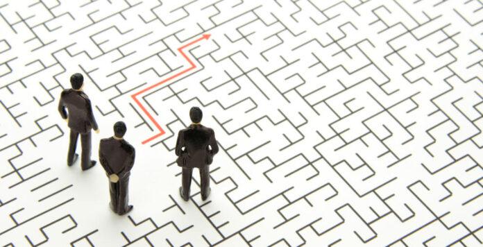 Wie kommt die Restrukturierung am besten zum Ziel? Eine Sanierungsmoderation kann helfen, den richtigen Weg zu finden.