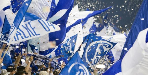 Schalke 04 bekommt mit der vorzeitigen Rückzahlung der Mittelstandsanleihe Spielraum für Investitionen trotz Entschuldung.