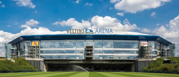 Veltins-Arena auf Schalke: Ein Dachschaden hat Schalke 04 im vergangenen Jahr einen Verlust eingebrockt, auch das Rating hat sich verschlechtert. Kein Grund zur Panik, beruhigt Schalkes Finanzabteilung.