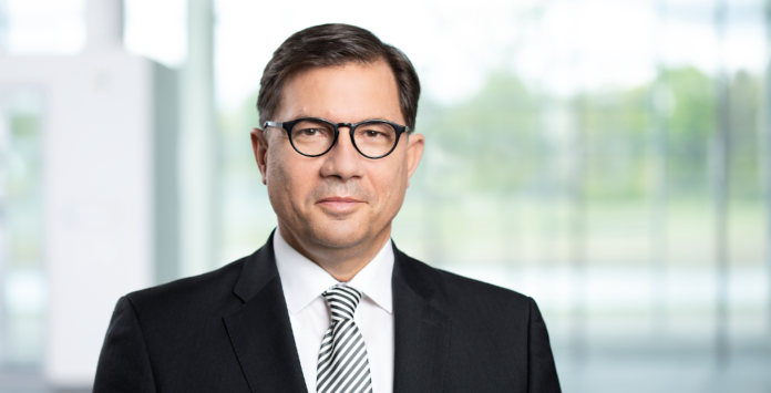 Vertragsverlängerung für Infineon-CFO Sven Schneider