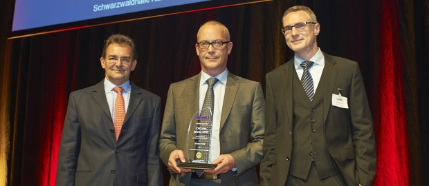 BVB-CFO Thomas Treß ist CFO des Jahres 2013. Beim Galaabend der Structured FINANCE nahm er die Auszeichnung entgegen.