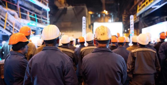 Arbeitnehmervertreter müssen bei der präventiven Sanierung frühzeitig informiert werden. Bestimmte Arbeitnehmerrechte dürfen nicht angetastet werden.