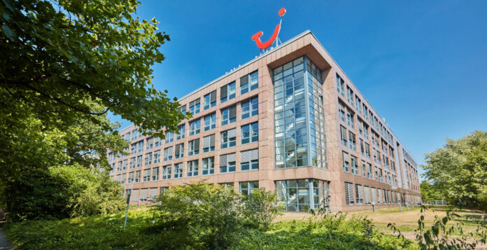Tui-Konzernzentrale in Hannover: Der Reisekonzern könnte eine KfW-Kreditlinie in Höhe von 1,8 Milliarden Euro erhalten.