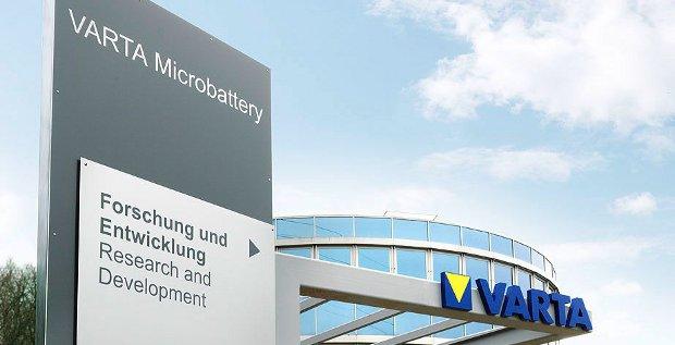 Der Batteriehersteller Varta nimmt Kurs auf die Börse. Am 2. Dezember will das Unternehmen den Sprung aufs Parkett schaffen.