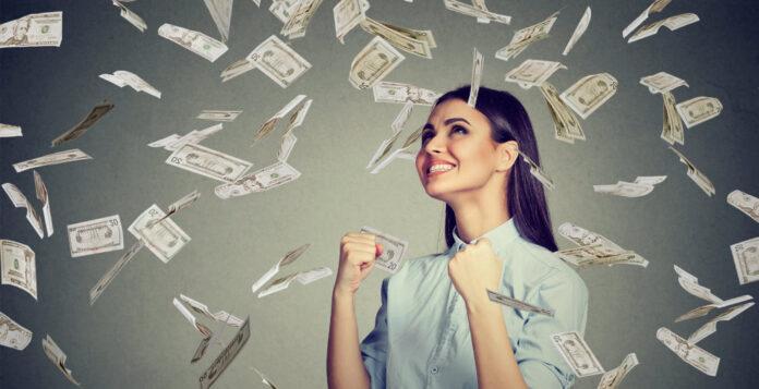 Geldregen für weibliche Vorstandsmitglieder: Erstmals werden sie über alle Dax-Indizes hinweg besser entlohnt als ihre männlichen Kollegen