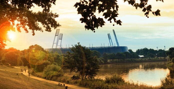 Blues am Weserstadion: Werder Bremen tritt den Gang in die Zweite Liga mit schwer angeschlagenen Finanzen an.