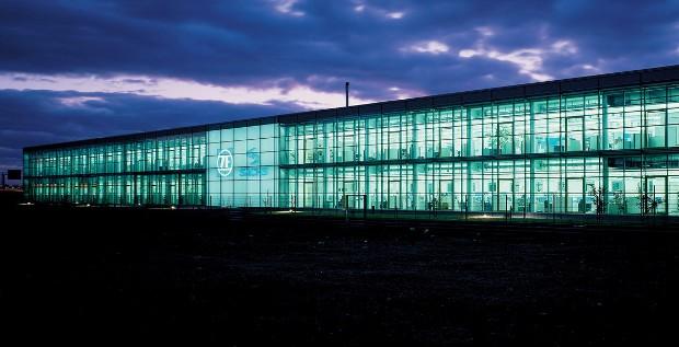 ZF Friedrichshafen will mit dem Schuldscheindarlehen die Weichen für eine Übernahme von TRW Automotive stellen.