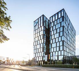 """Der SAP-Turm in Eschborn ist ein Beispiel für ein """"Green Building"""" – und seit Juni 2020 im Besitz von DIC Asset."""