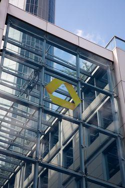 Die Commerzbank will die Kosten um 20 Prozent senken.