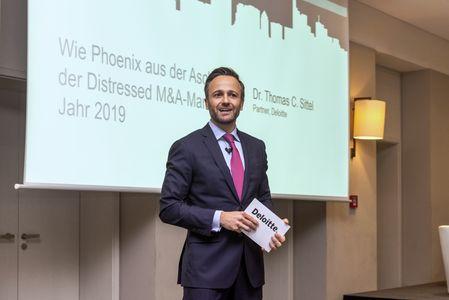 Thomas Sittel, Partner von Deloitte, teilt seine Prognosen über den M&A-Markt im Jahr 2019.