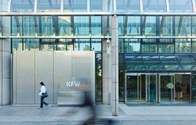 Die KfW sitzt bald bei Restrukturierungen mit am Tisch.
