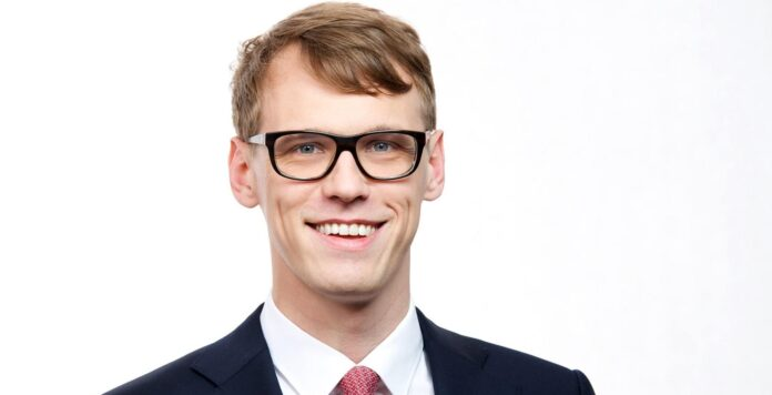 Bei BCG ist Johannes Glugla befördert worden.
