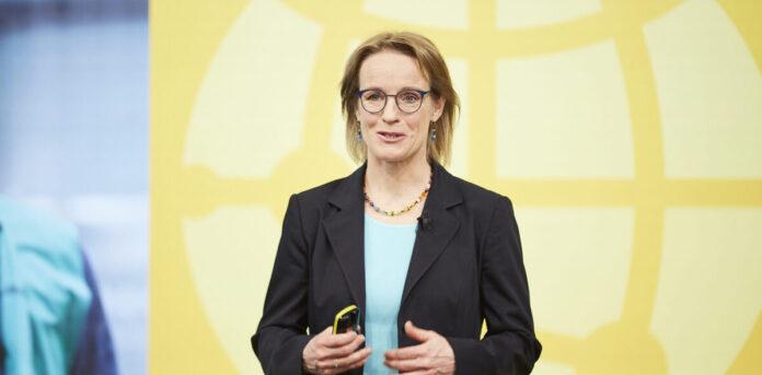Wohin mit der ganzen Liquidität der Deutschen Post? Unsere CFO des Monats Melanie Kreis hat gute Verwendung dafür gefunden.
