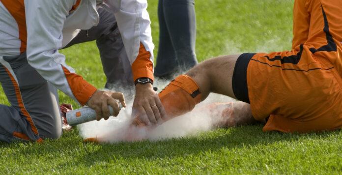 Akut angeschlagen: Wie tiefe Spuren werden die Geisterspiele in den Bilanzen der Bundesligaklubs hinterlassen?