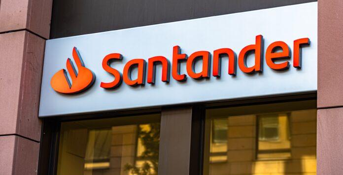 Im FINANCE-Banken-Survey 2021 schafft es die Banco Santander unter die drei aktivsten Auslandsbanken im deutschen Firmenkundengeschäft.