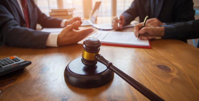 Das Zusammenspiel zwischen Restrukturierern, Management und Sachwalter muss bei der Insolvenz in Eigenverwaltung stimmen.