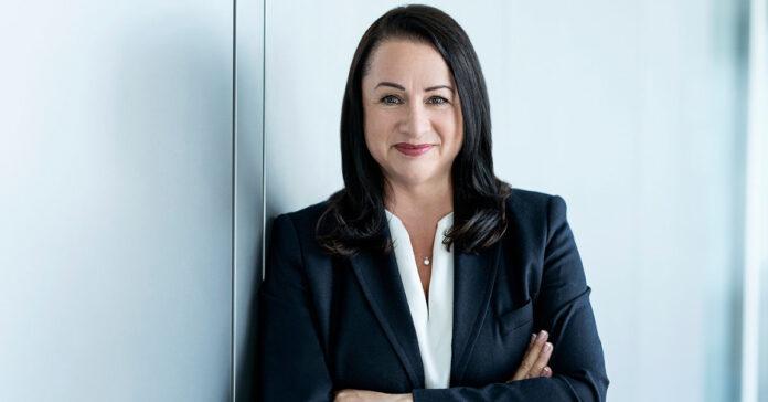 Im Dax gibt es nur ganze fünf Finanzchefinnen, eine davon ist Maria Ferraro von Siemens Energy. Ist dieses Phänomen für die Investoren gut oder schlecht? Die CFO-Forschung liefert Hinweise. Foto: Siemens Energy