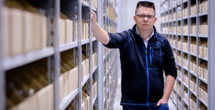 Mit dem Erlös des Börsengangs will das Management von Mister Spex um Co-CEO Dirk Graber unter anderem die Logistik des Online-Optikers erweitern.