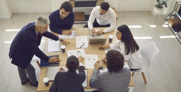 Program Management Offices sollen dazu beitragen, Projekte besser zu bewältigen. Doch mitunter werden sie eher als Belastung denn als Hilfe empfunden.