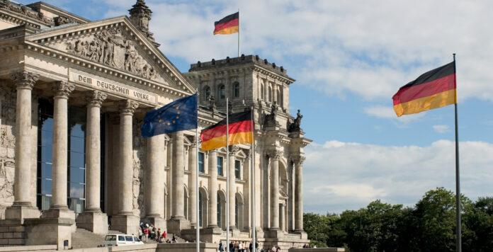 In zwei Monaten wird der Bundestag neu besetzt. Was lassen die möglichen Regierungskoalitionen für deutsche Unternehmen erwarten?