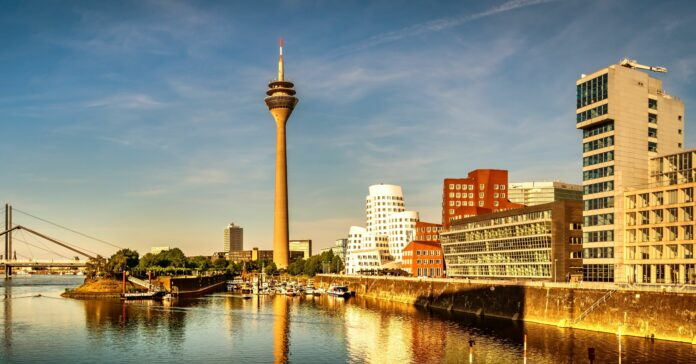 Nun soll es Düsseldorf sein: Die M&A-Beratung Proventis Partners zieht von Köln in die Landeshauptstadt Nordrhein-Westfalens. Foto: dietwalther - stock.adobe.com